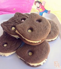 Cookie Cat Ice Cream Sandwiches from 'Steven Universe' | fictionfood.blogspot.ca