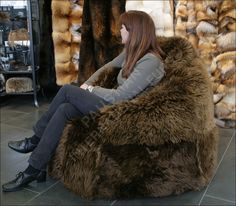 2012_05_31_11-11-28-1-250-lamb-fur-bean-bag.jpg (1000×875)