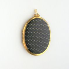 We're dotty for this vintage locket. $80.00, from pinguim.