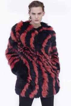 Get inspired and discover Best Outerwear Resort 2016 trunkshow! Shop the latest Best Outerwear Resort 2016 collection at Moda Operandi. Fashion Line, Fur Fashion, Vogue Fashion, Fashion News, Fashion Show, Runway Fashion, Lanvin, Balenciaga, Cruise Wear