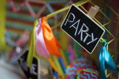 Ozdoby urodzinowe, plakietka tablicowa / Party decorations, chalkboard etiquette, @TigerPolska