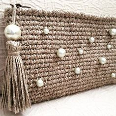 Marvelous Crochet A Shell Stitch Purse Bag Ideas. Wonderful Crochet A Shell Stitch Purse Bag Ideas. Bag Crochet, Crochet Shell Stitch, Crochet Clutch, Crochet Diy, Crochet Handbags, Crochet Purses, Love Crochet, Crochet Gifts, Crochet Clothes