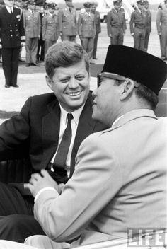 Los Kennedy, John F Kennedy, Ex President, John Fitzgerald, Beautiful Wife, Us History, Inspiring People, Jfk, Role Models