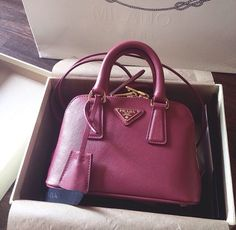 i love the look of this purse i just wouldn't get it in this color