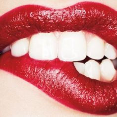 Natural Teeth Whitening - How to Naturally Brighten Your Teeth - Harper's BAZAAR Magazine Makeup Articles, Daphne Groeneveld, Lip Biting, Tips & Tricks, Easy Tricks, Beautiful Lips, Naturally Beautiful, Hello Gorgeous, Simply Beautiful