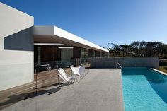 The glass fence! - Kay* Blairgowrie Residence by InForm Design & Pleysier Perkins