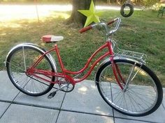 Raleigh Chopper, Tricycle Bike, Wooden Wheel, Cruiser Bicycle, Bike Brands, Bmx Bikes, Vintage Bikes, Bike Design, Bicycles