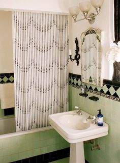 Art Deco bathroom...Love the tile!