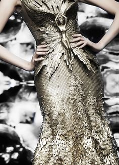 Stunning Dress Detail / Tex Saverio Haute Couture
