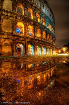 My Love Italy, itravelworld:   Colosseum Reflecting