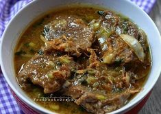 BISTIK DAGING SAPI Healthy Soup Recipes, Pork Recipes, Cooking Recipes, Indonesian Cuisine, Indonesian Recipes, Malay Food, Slow Cooker Soup, Food Hacks, Indian Food Recipes