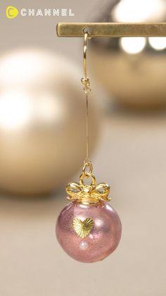 Vintage Jewelry Crafts, Cute Jewelry, Diy Jewelry, Beaded Jewelry, Diy Resin Earrings, Resin Jewelry, Diy Resin Art, Diy Resin Crafts, Hand Art Kids