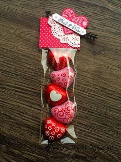 jpp - Goodie / treat / Valentine's Day / Valentinstag / Liebe / sneak peek / OnStage 2016 / Schauwand Designer / Display Stamper / Stampin' Up! Berlin / Mit Gruß und Kuss / Sealed with love / love notes / love suite / Liebesgrüße www.janinaspaperpotpourri.de Valentines Day Treats, Valentine Day Crafts, Valentine Decorations, Be My Valentine, Saint Valentine, Chocolate San Valentin, Valentines Bricolage, Happy Hearts Day, Candy Crafts