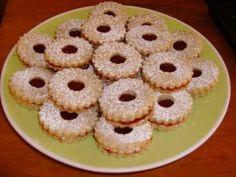 A torták és más sütemények isteni finomak ettől a házi karamellkrémtől! Vigyázat, egy adag pillanatok alatt elfogy! :) Hozzávalók • 3 evőkanál cukor, • fél…