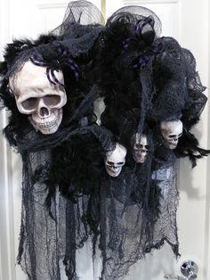 Scary Halloween Wreath, Skull Wreath, Skull and Bones Halloween Decor, Skeleton…