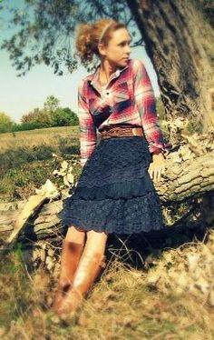 plaid + skirt + belt + boots= love