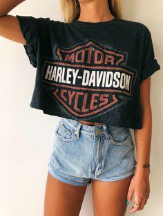 e7a26228932 Vintage Harley-Davidson Crop Tee | Clothing in 2019 | Vintage harley ...
