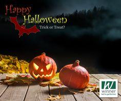 31 de outubro: Halloween O Halloween é um evento tradicional dos países anglo-saxônicos, com especial relevância nos Estados Unidos, Canadá, Irlanda e Reino Unido, tendo origem nas celebrações dos antigos celtas.