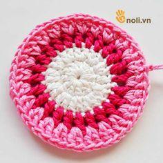 Chart móc túi dâu tây ngọt ngào đốn tim chị em chúng mình Crochet Handbags, Charts, Projects To Try, Crochet Hats, Ems, Blanket, Baby, Crochet Purses, Craft