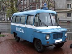 POL NYSA milicja - Police cars by continent - Wikimedia Commons Old Police Cars, Military Police, Mini Bus, Suzuki Jimny, Cartoon Network Adventure Time, Emergency Vehicles, Modern History, Vw Bus, Fire Trucks