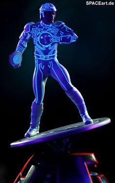 Tron: Tron Statue, Fertig-Modell, http://spaceart.de/produkte/trn001.php
