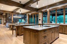 Mountain Dream Homes, Mountain House Plans, Mountain Style, Mountain Home Interiors, Cabin Interiors, Chalet Interior, Interior Design, Bc Home, Cabin Kitchens