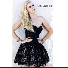 I love Sherri Hill dresses
