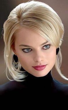 Margot Robbie is a talented artist and very popular among fans. Margot Robbie photo gallery with amazing pictures and wallpapers collection. Beautiful Eyes, Most Beautiful Women, Photo Glamour, Margo Robbie, Margot Robbie Hot, Beauté Blonde, Actress Margot Robbie, Woman Face, Pretty Face