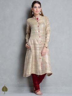 Buy Beige Maroon Tussar Gicha Kurta with Pockets by Jaypore Apparel Tunics &… Neck Designs For Suits, Dress Neck Designs, Pakistani Outfits, Indian Outfits, Casual Dresses, Fashion Dresses, Silk Kurti, Kurta Designs Women, Desi Clothes