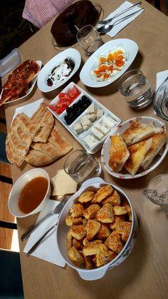 Turkish Eid breakfast.. eggs, cheese, olives, tomato soup, helva, kizartma and turkish pita bread Eid Breakfast, Turkish Breakfast, Breakfast Ideas, Eastern Cuisine, Spinach And Feta, Pita Bread, Turkish Recipes, Tomato Soup, Turkish Cheese