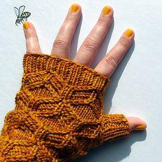 'Beeswax mitts' - honeycomb-cabled fingerless mitts by Amy van de Laar