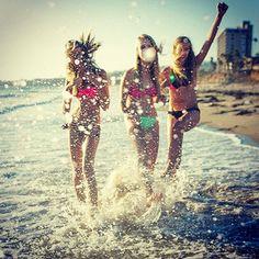 Ti auguriamo di cuore Buone Vacanze. Tuffati,viaggia,corri e fatti spettinare dalla vita. Sorridi sempre perchè al tuo ciuffo ribelle ci pensiamo noi.Bartorelli #estate #summer #buonevacanze #roma #grazie  a tutti voi😘