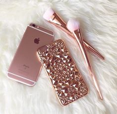Beautiful and unique our Rose Gold Tropix Case will be sure to turn heads! Design made out of flexible TPU fitting over your iPhone like a glove. This is NOT a flat case Flexible and bendable while providing protection for your iPhone Cute Cases, Cute Phone Cases, Telephone Iphone, Rose Gold Aesthetic, Mode Rose, Gold Everything, Accessoires Iphone, Coque Iphone 6, Pink Iphone