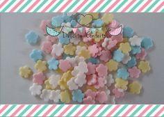 Confeito aplique enfeite Mini Florzinhas coloridas  açúcar para doces, docinhos, cupcakes, bolos, alfajores, bem nascidos.. Pacorinhos 25 unidades. Delicity Confeitos Arte em Açúcar e Biscuit