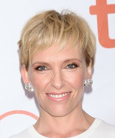 Toni Collette Short Straight Casual Layered Pixie Hairstyle – Blonde and Light Brunette Two-Tone Hair Color – Hair Styles Light Brunette, Brunette To Blonde, Light Blonde, Blonde Hair, Casual Hairstyles, Hairstyles Haircuts, Straight Hairstyles, Two Toned Hair, Medium Blonde