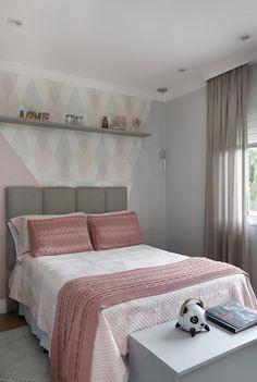 Ikea bedroom and green bedroom Room Design Bedroom, Room Ideas Bedroom, Home Room Design, Bed Design, Stylish Bedroom, Modern Bedroom, Bedroom Decor For Teen Girls, Dream Rooms, Home Decor Furniture