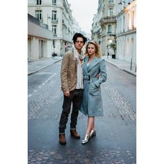 Sprousehart dylan sprouse, river dale, lili reinhart and cole sprouse, lilli reinhart, Bughead Riverdale, Riverdale Memes, Riverdale Netflix, Betty Cooper, Riverdale Betty And Jughead, Cole Sprouse Funny, Cole Sprouse Wallpaper, Cole Spouse, Lili Reinhart And Cole Sprouse