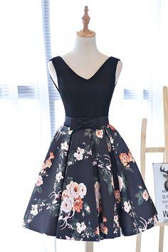 Cute black V neck short prom dress, floral party dress
