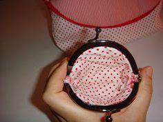 El Taller de AnitaDinamita: Monederos de tela con boquilla!!!