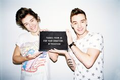 Love To Help :) #LiamPayne #HarryStyles