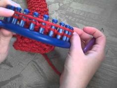 Some loom ideas.  Great tutorial for round loom.