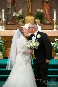 First Kiss | Catholic Wedding | Photographic Perspectives | Church Wedding | New Mexico Wedding Photographers