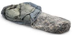 4 piece us military sleep system with gore-tex cover (comfortable temp range from -50 to +50)