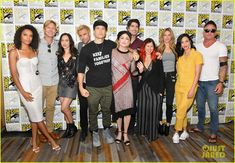 'Legends of Tomorrow' Cast Teams Up for Comic-Con Photo The cast of Legends of Tomorrow joins forces at 2018 Comic-Con! The group stepped out for the DC's Legends Of Tomorrow Press Line during the convention held… Legends Of Tomorrow Cast, Legends Of Tommorow, Dc Comics Characters, Female Characters, Maisie Richardson Sellers, Superhero Shows, Dominic Purcell, John Constantine, Matt Ryan