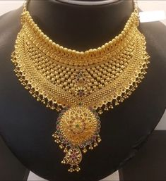 Indian Gold Jewelry Near Me Gold Mangalsutra Designs, Gold Jewellery Design, Gold Jewelry, Gold Necklace, Jewelry Sets, Choker Necklaces, Jewelry Stand, Bridal Necklace, Diamond Jewellery