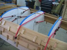 staple-less canoe building Wooden Boat Building, Boat Building Plans, Wood Canoe, Utility Boat, Plywood Boat Plans, Build Your Own Boat, Paddle Boat, Diy Boat, Wood Boats