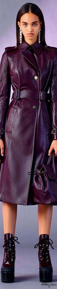 Versace Pre Fall l Ria Purple Fashion, Fashion 2017, Womens Fashion, Versace Fashion, Italian Fashion, Leather Fashion, Catwalks, Stylish Outfits, Beautiful Outfits