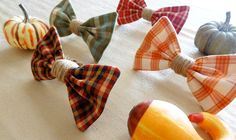 Plaid Bow Napkin Rings Tutorial - #art, #diy, craft
