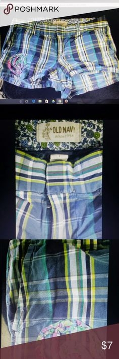Old Navy Plaid Micro Shorts 2 Sexy Summer Size 2 low rise micro shorts from Old Navy. ..plaid stripe in blue green and yellow...31 inch waist... Old Navy Shorts Jean Shorts