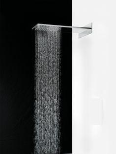 Soffione Gaia a pioggia a parete in acciaio inox F.lli Frattini